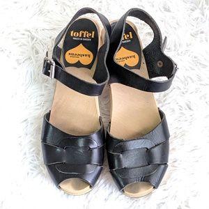 HASBEENS | Wooden open toe clogs